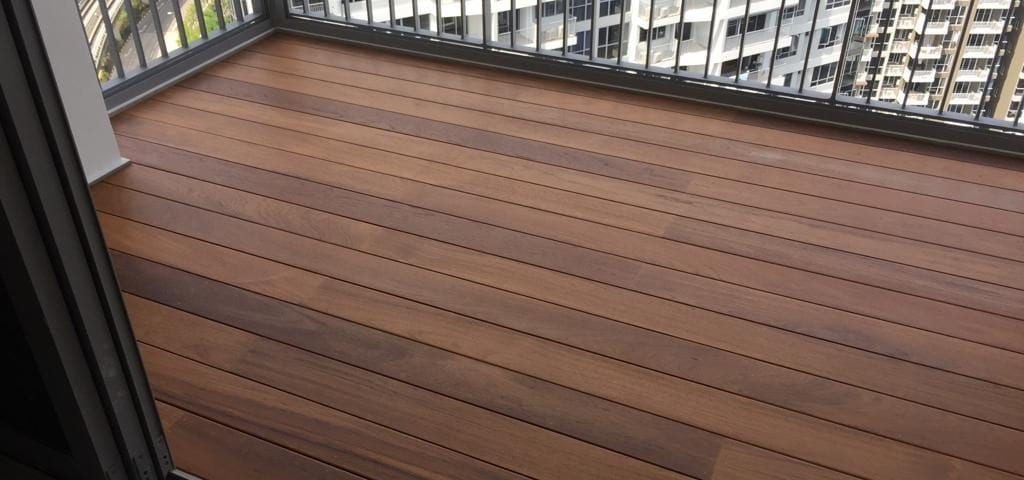 Luxurious Burmese Teak Deck 2