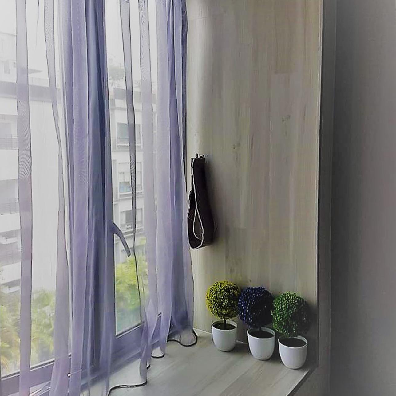 vinyl feature for window bay