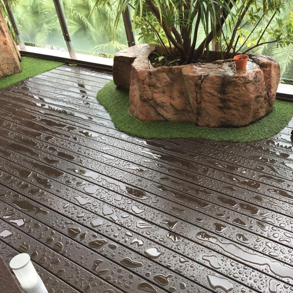 Outdoor Decking - Chengai: 04 3
